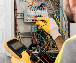 Finding the Right Electrician in West Palm Beach, Palm Beach Gardens, Jupiter, FL, Delray Beach, Boynton Beach, and Palm Beach